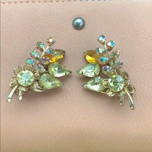 Vintage Aurora Borealis Rhinestone Clip on Earring